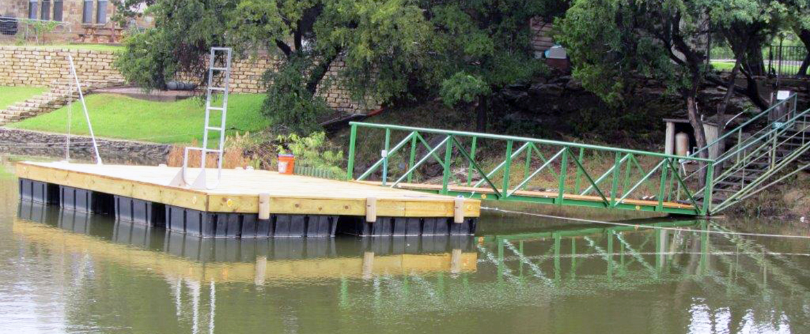 DOCK OWNERS HELP IMPROVE ENVIRONMENTAL HEALTH AT PK